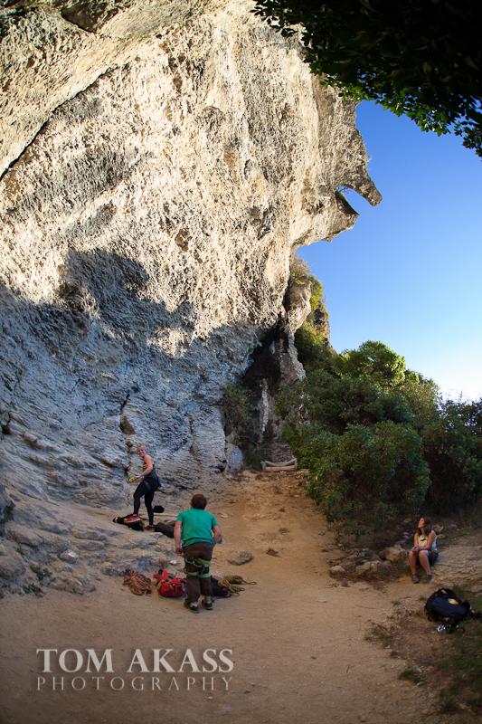 TOM AKASS climbign-4