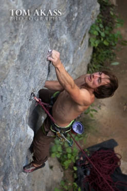 TOM AKASS climbing paynes 2-7