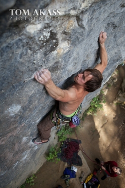 TOM AKASS climbing paynes 2-8