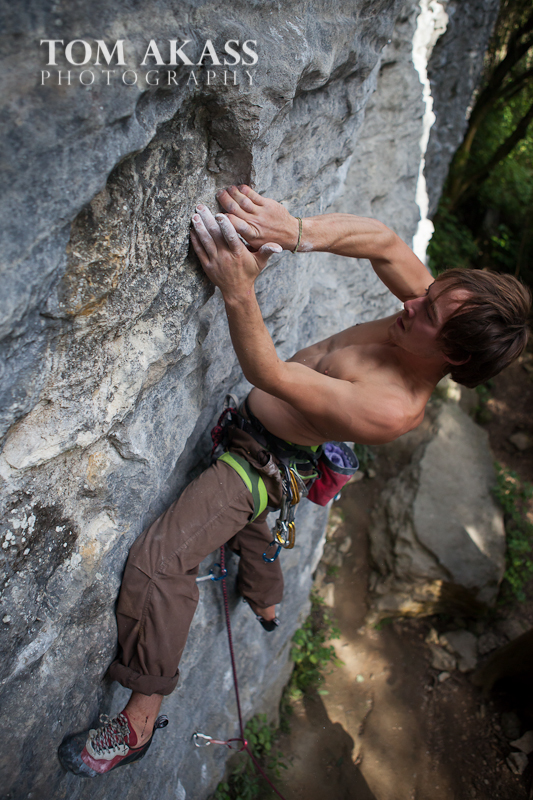 TOM AKASS climbing paynes 2-9